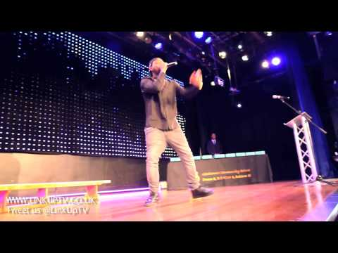 Davido performs Skelewu at Gladesmore Community School [@iam_Davido] | Link Up TV