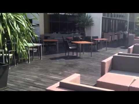 ANANTARA BANGKOK SATHORN swimming pool and seating area