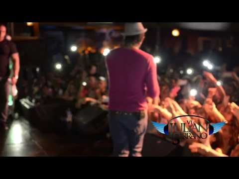 Plan B ft Tego Calderon - Zapatito Roto (Un Official Live / En Vivo )