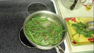 Turkey Bacon Green Beans- Quick & Easy Thanksgiving Side Dish Recipe