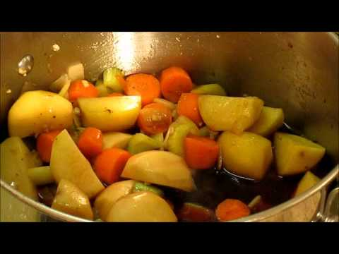 Beef Stew Recipe – Red Wine Sauce, Bacon and Veggies