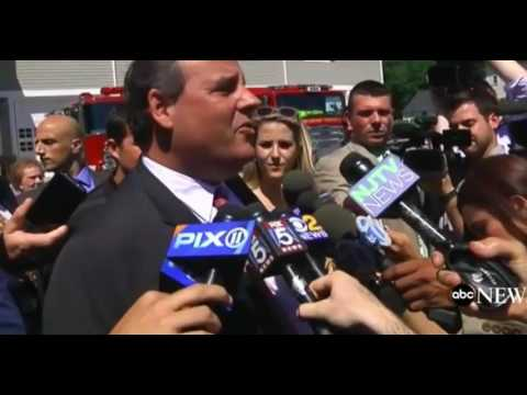 "Chris Christie FULL Press Conference: ""Donald Trump Is Not A Racist"" & SLAMS Lindsey Graham"