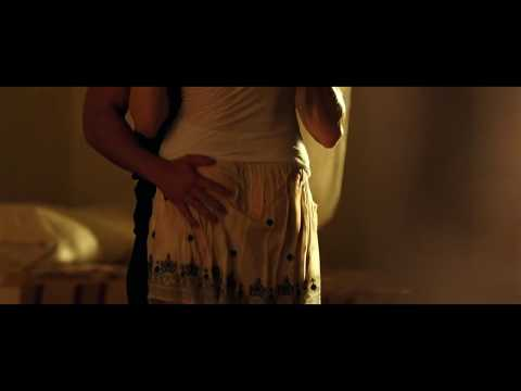 Sexy And Romantic Scene From The Lucky One Movie video
