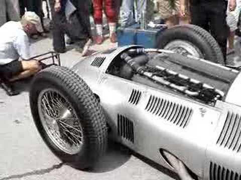 MERCEDES-BENZ W154: Der Höhenstra�en-Sieger Dieser W154 mit Chassis-Nummer 11 ist jenes Auto, mit dem Rudolf Caracciola 1939 Rekorde fuhr, Hermann Lang auf d...