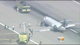 United SkyWest Jet Makes Emergency Landing At LAX