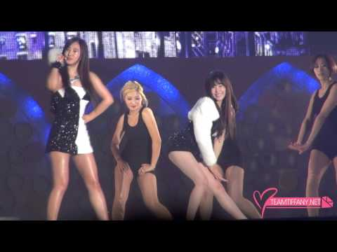 131222 Tiffany & Yuri - Ma Boy By 팀티파니 video