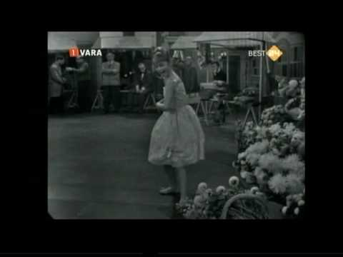 Thumbnail of video Marisol - Estando Contigo (1963)