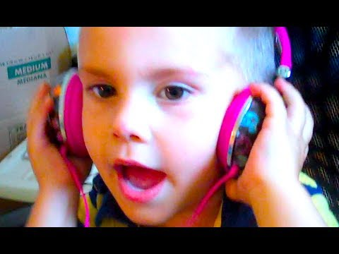 3 YEAR OLD SINGS TAYLOR SWIFT BETTER THAN TAYLOR SWIFT!