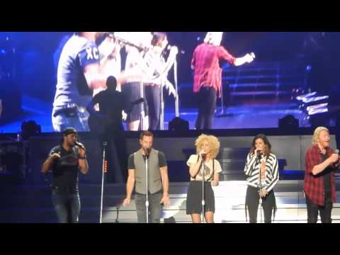See Luke Bryan and Little Big Towns Seductive Live Mash Up news