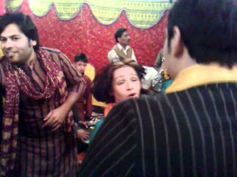 dance at friends wedding at  Mara ae te Mara song