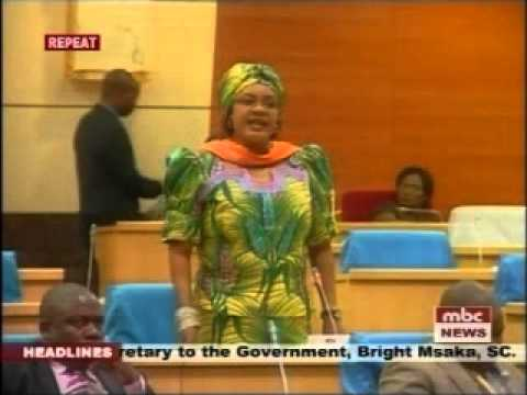 Tussle in Malawi Parliament - MP Anita Kalinde and Minister of Defense Aaron Sangala