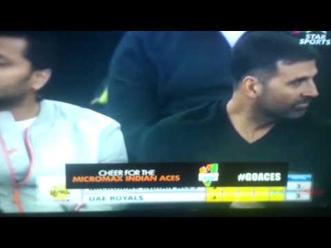 Akshay Kumar's funny reaction at International Premier Tennis League in Delhi !