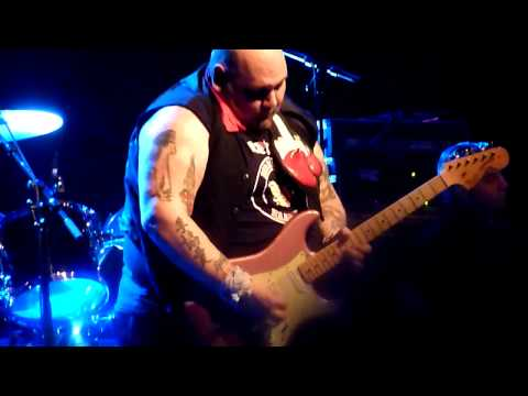 Popa Chubby-Grown man crying blues-Paris 2010