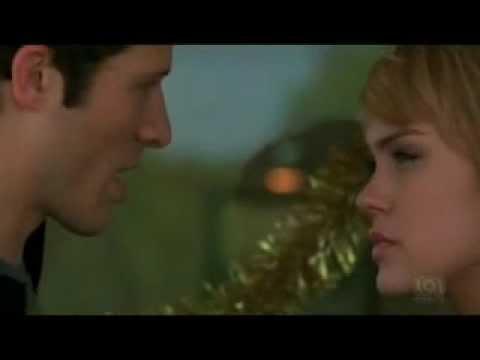 Matt & Julie finale {Friday Night Lights 5x13} Matt proposes Julie says...