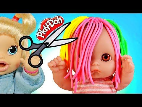 Куклы Пупсики Беби Элайв Аня парикмахер идет в Салон Красоты стрижет волосы из Play-Doh. Зырики ТВ
