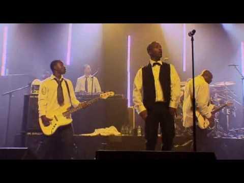 Lupe Fiasco - Go Go Gadget Flow (Live From Chicago)
