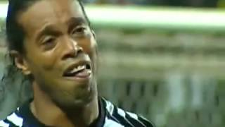 Ronaldinho Scores  a crazy Goal from a very tight angle