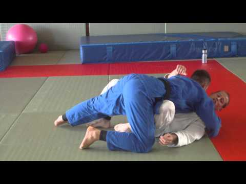 Fast and Effective Mune Gatame escape Image 1