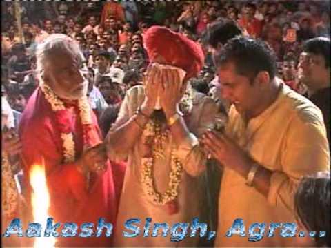 Aarti Kijiye Hanuman Lala Ki....Lakhbir Singh Lakha Live Delhi...