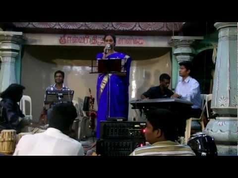 Poorana Azhagulavarae video