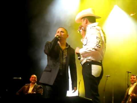 ROBERTO TAPIA Y LARRY HERNANDEZ Video