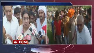 Smriti Irani lends shoulder to mortal remains of close aide who was slayed in Amethi