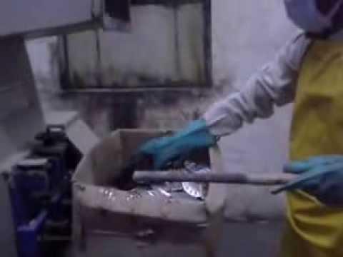 Pharma Scrap & Waste Machine | Glucose Bottle Scrap Machine | Bio Medical Waste Shredder