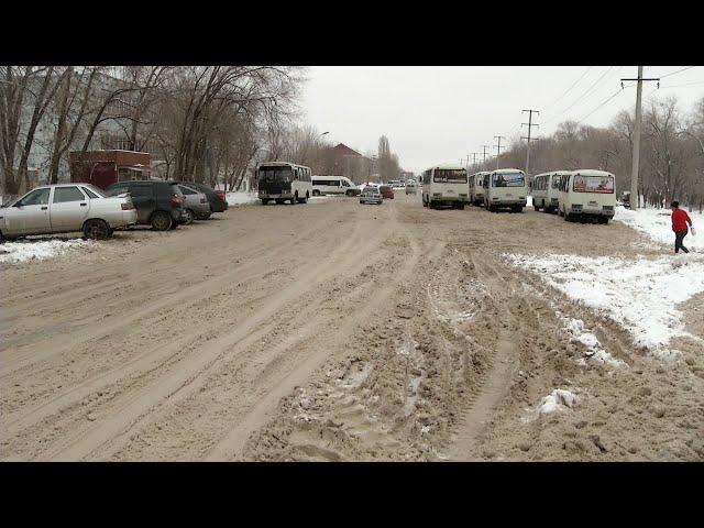 Водители автобусов чистят дороги за свой счёт