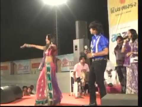 Hot Dance Of Mamta Soni With Vikram Thakor video