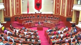 """A1 Report - """"FRESSH Debat"""" Finalja në Kuvend Shembulli si duhet të sillen politikanët"""