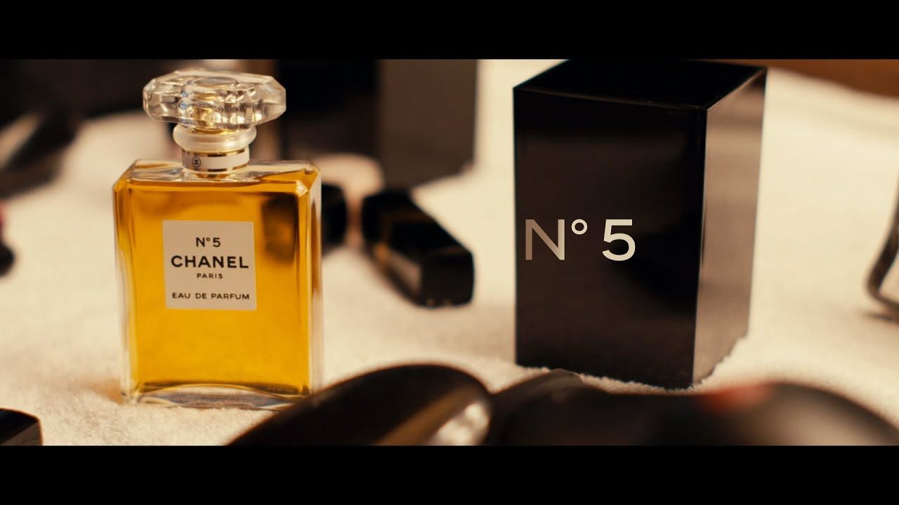 chanel n 5 set the fragrance youtube. Black Bedroom Furniture Sets. Home Design Ideas