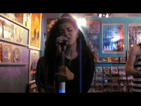 Charli XCX - I Want It That Way (Backstreet Boys Cover) @ Borderline Music in Chicago 5/21/2013 Music Videos