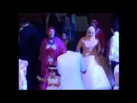 رقص عروسه وصاحباتها على اغانى شعبى thumbnail