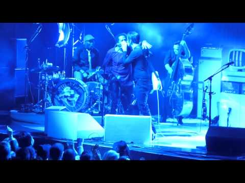 Jack White w Q-Tip - That Black Bat Licorice/Excursions HD @ MSG, NY January 2015