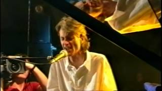 Watch Peter Hammill Curtains video