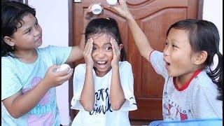 Unboxing Mainan Anak Egged On - Game Seru Pecah Telur Mainan - Egg Roulette Game