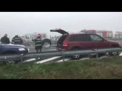 ACCIDENT IN LANT PE AUTOSTRADA A2 / CHAIN CRASH ON ROMANIA A2 HIGHWAY