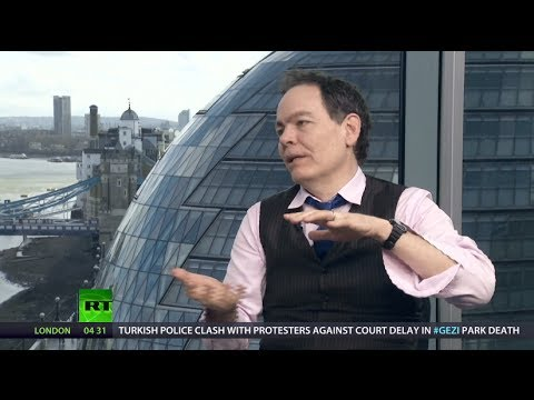 Keiser Report: Staged Rumble in Wall Street Jungle (E559)