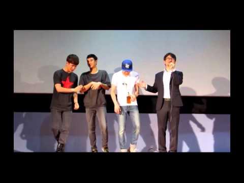 Kim Soo Hyun does weird dance moves