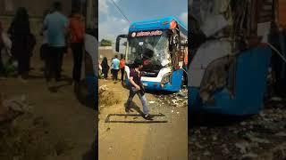 NGƯỜI ĐỒNG NAI   Xuân Lộc  3 ô tô khách tông liên hoàn