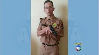 Falso policial se exibe com farda da PM e acaba preso