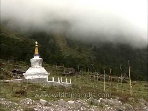 Buddhist stupa in the Lachung monastery - Yumthang valley Sikkim