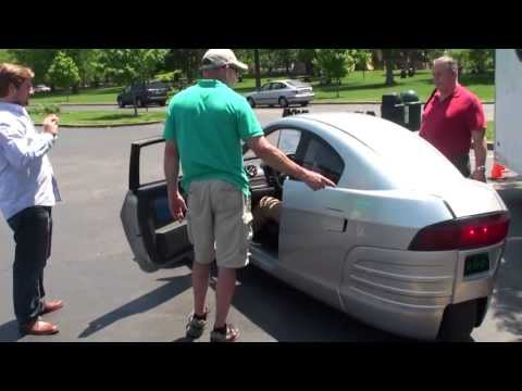 Elio Motors Reverse Trike in St. Louis, Missouri May 2013