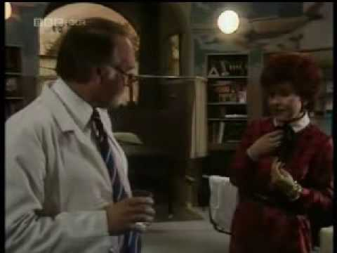 Prunella Scales - What The Butler Saw, Part 2