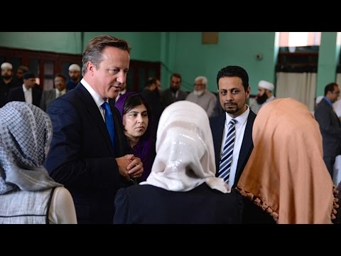 David Cameron Tells Muslim Women to Learn English or Leave UK