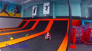 FUN INDOOR TRAMPOLINE PARK