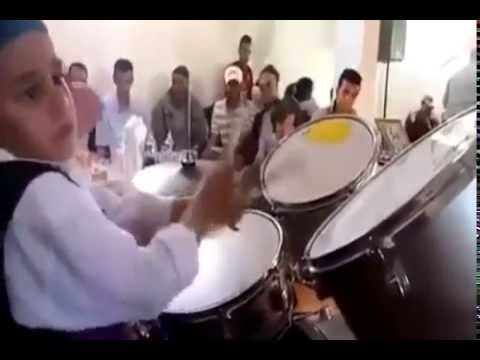 طفل مغربي موهوب خطيييييييييير thumbnail