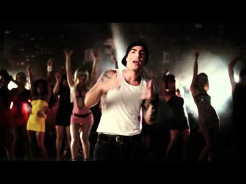 TUS feat. Remis Xantos - ΜΗ ΡΩΤΑΣ ΠΩΣ ΠΕΡΝΑΩ (SCHAU HIN) - Official Video Clip (HQ)