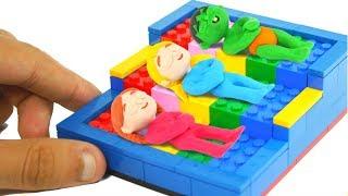 SUPERHERO BABIES BUILD BEDS WITH LEGO ❤ SUPERHERO BABIES PLAY DOH CARTOONS FOR KIDS