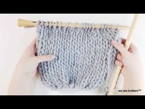 C mo tejer una bufanda m gica we are knitters youtube - Kit para hacer punto ...